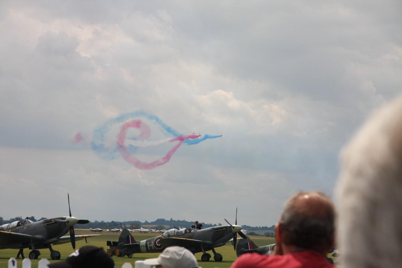 Infinity, geflogen von den Red Arrows