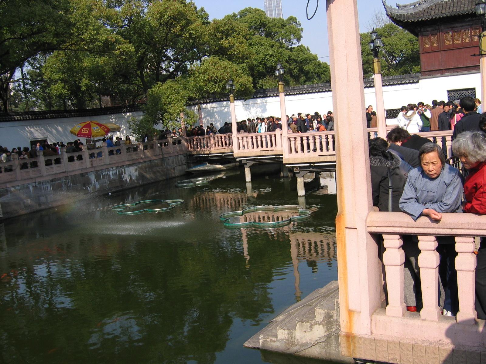 Yuyuan Garden, eine Insel der Entspannung in Shanghai