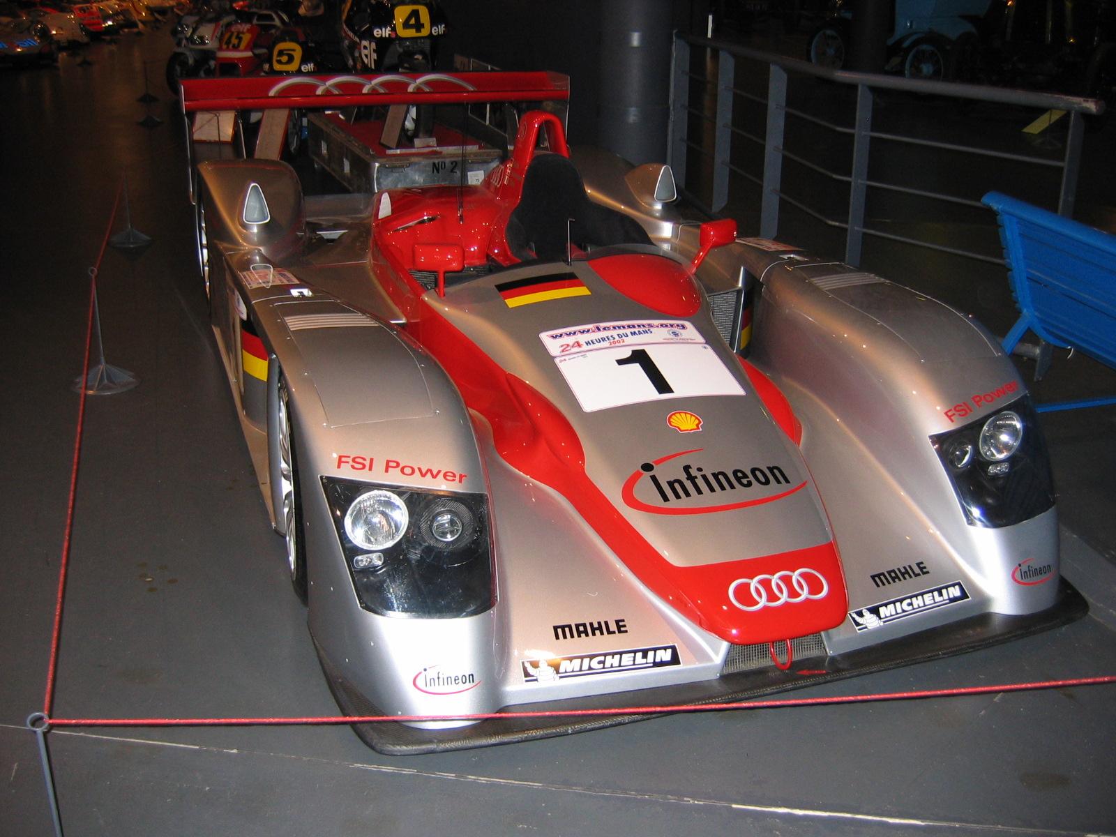 2002 Siegerauto Audi R8, Biela/Kristensen/Pirro
