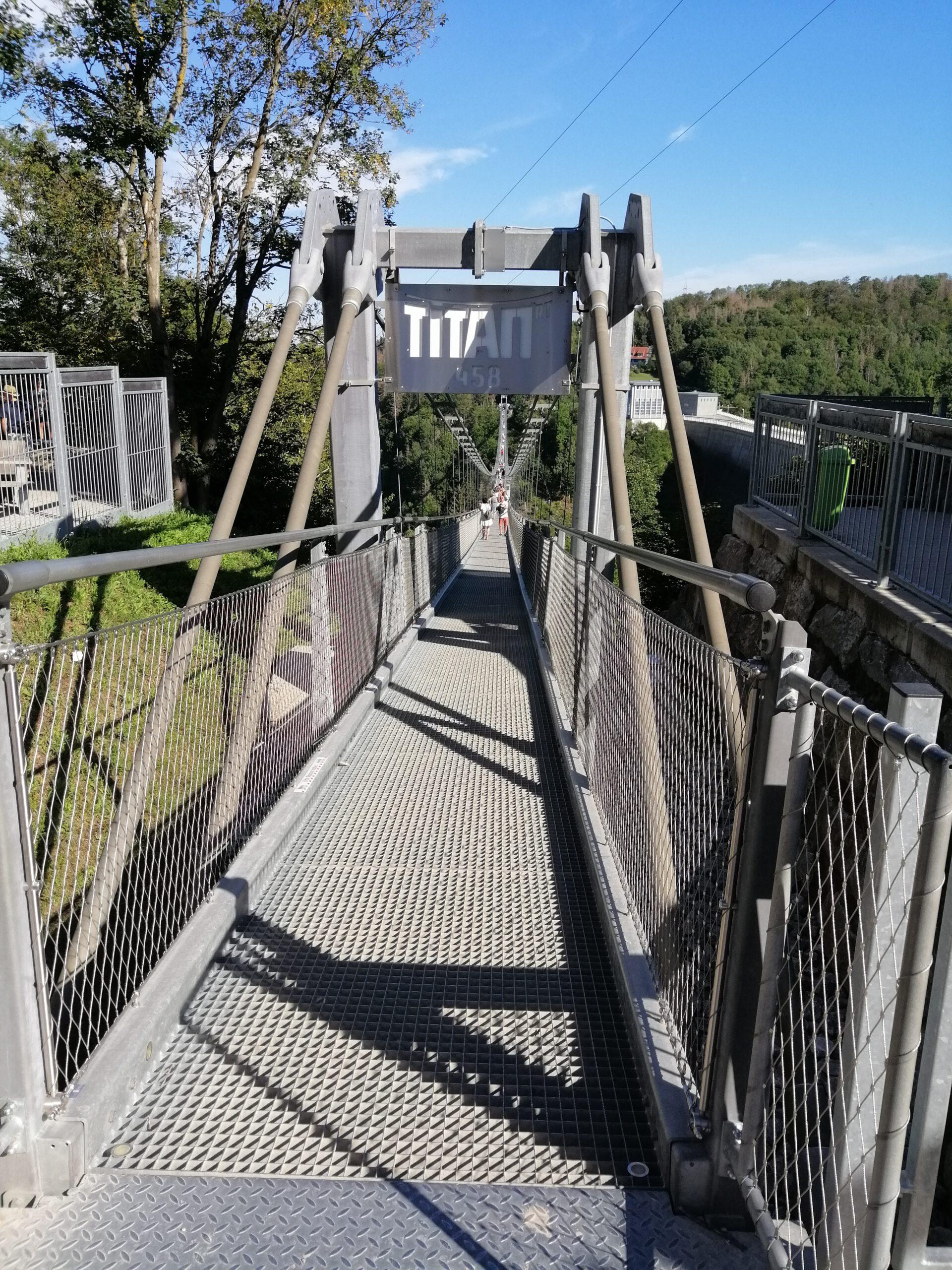 Ab auf die Hängebrücke!