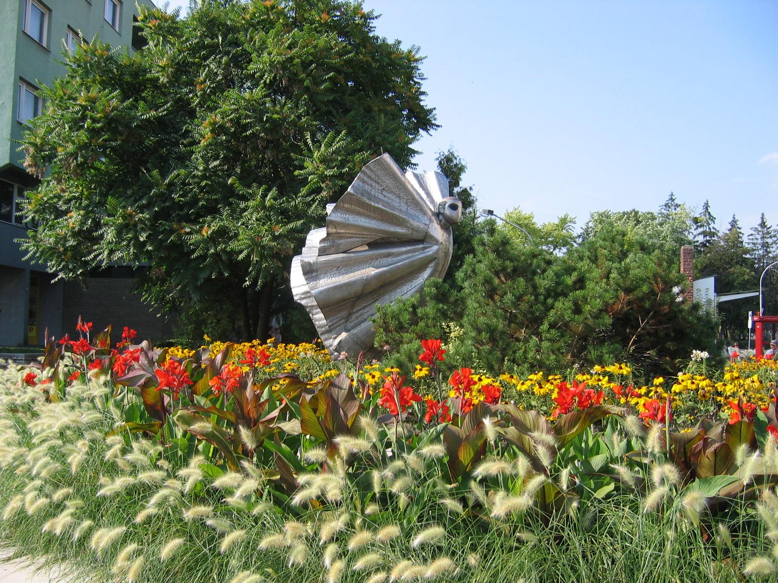 Ursprünglich eine Fontäne, die Skulptur heißt Metamorphose, wird aber oft als Monster bezeichnet